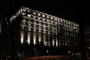 Telmotor illumina la facciata dell hotel principe di savoia di